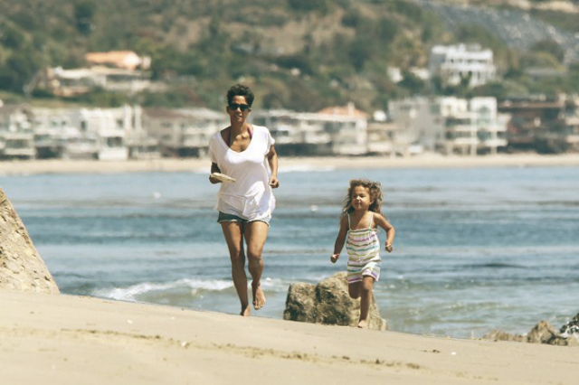 Halle Berry's Malibu Beach Home playing with daughter