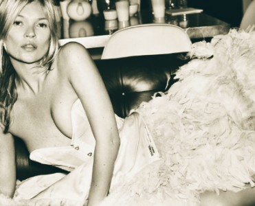 Kate Moss by Mario Testino | Celebrity of the day  Celebrity of the day | Kate Moss by Mario Testino # 17h January kate moss by mario testino vogue uk 371x300