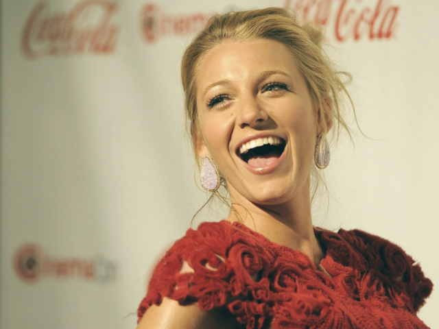 Black Lively  The Celebrity Diet Secrets celebrity homes blake lively
