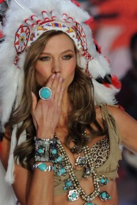 Top Hottest Victoria Secret Angels | Karlie Kloss  Top 10 Victoria's Secret Hottest Angels top hottest victoria secret angels Karlie Kloss 200x300