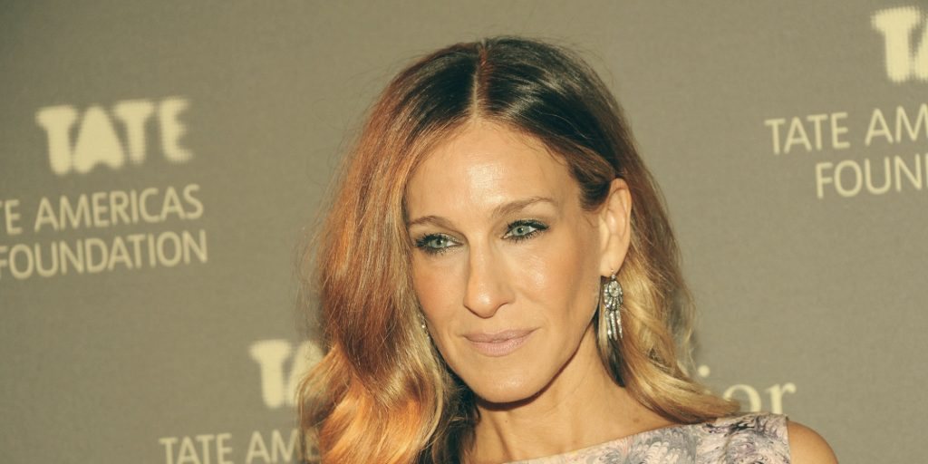 Sarah Jessica Parker  Sarah Jessica Parker is selling her Greenwich Village Apartment o SARAH JESSICA PARKER facebook