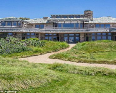 Celebrity Homes - Steven Spielberg puts his Malibu mansion for rent  Celebrity Homes – Steven Spielberg puts his Malibu mansion for rent Celebrity Homes Steven Spilberg puts his home in Malibu for rent 11 371x300