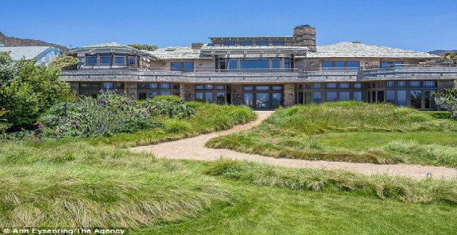 Celebrity Homes – Steven Spielberg puts his Malibu mansion for rent Celebrity Homes Steven Spilberg puts his home in Malibu for rent 11