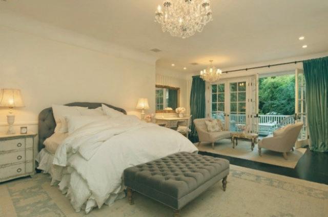 Celebrity Homes in Los Angeles Top 10 — Celebrity Homes in Los Angeles Top 10 Celebrity Homes in Los Angeles jennifer lawrence bedroom