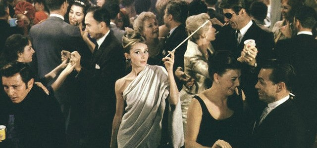 audrey on set audrey and cat Celebrity Movie Homes - Breakfast At Tiffany's  Celebrity Movie Homes  – Breakfast At Tiffany's breakfast at tiffanys party scene 640x300