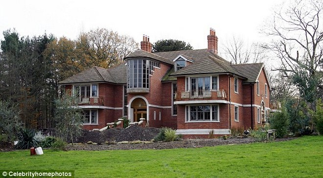 4 Mansions that Tom Cruise lost with Katie Holmes Divorce ...