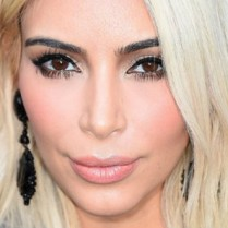 Celebrity Gossip Kim Kardashian is no longer a blonde girl (5)