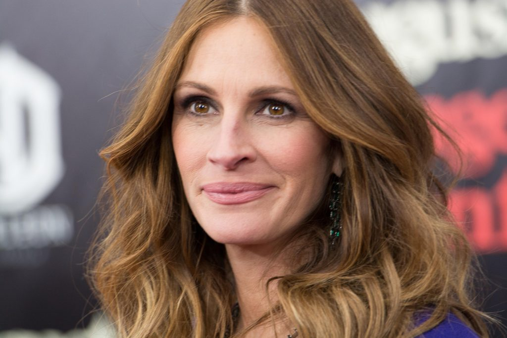 Celebrity News: Julia Roberts Hawaii Home  Celebrity News: Julia Roberts Hawaii Home 140210 julia roberts 2031 f29a6f9bf780bbebc0cfe898179714b1
