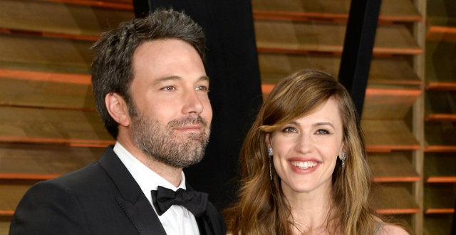 Celebrity News Ben Affleck and Jennifer Garner sell Home After Divorce  Celebrity News: Ben Affleck and Jennifer Garner sell Home After Divorce Celebrity News Ben Affleck and Jennifer Garner sell Home After Divorce 4
