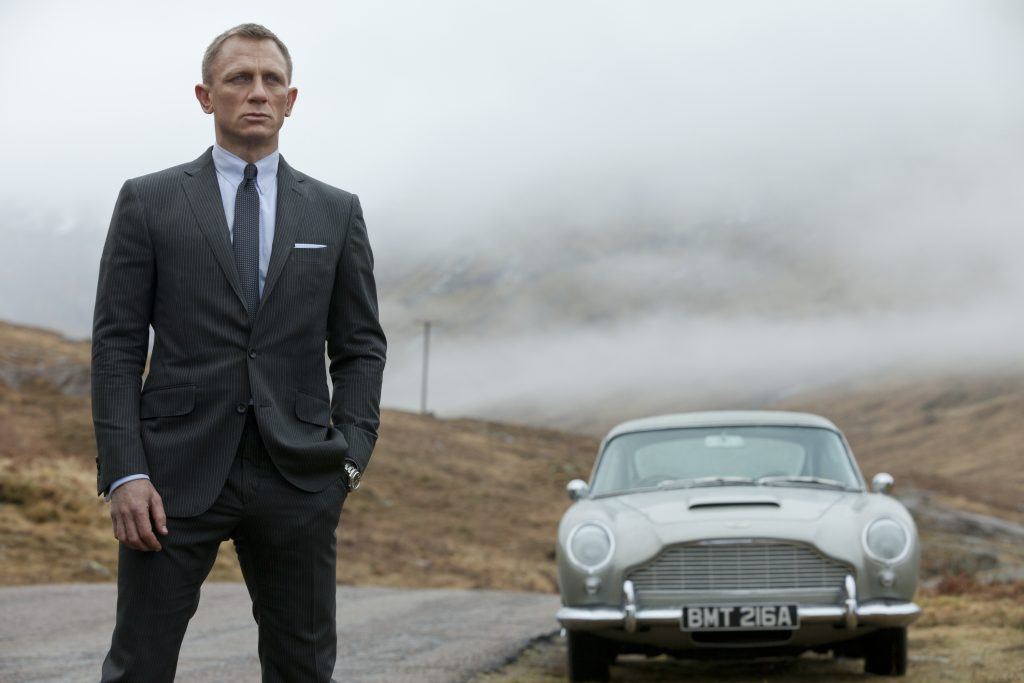 Celebrity Homes: Get to know James Bond Homes Celebrity Homes Celebrity Homes: Get to know James Bond Homes daniel craig as james bond in skyfall with aston martin