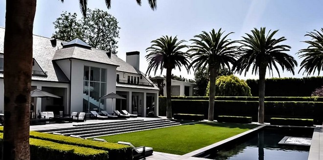 Home in Beverly Hills (11) simon cowell home Celebrity Homes: Simon Cowell Home in Beverly Hills Home in Beverly Hills 11