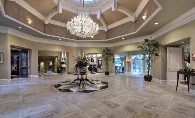 Jeff Skoll is Selling California Mansion (5) celebrity homes Celebrity Homes: Jeff Skoll is Selling California Mansion Celebrity Homes Jeff Skoll is Selling California Mansion 5