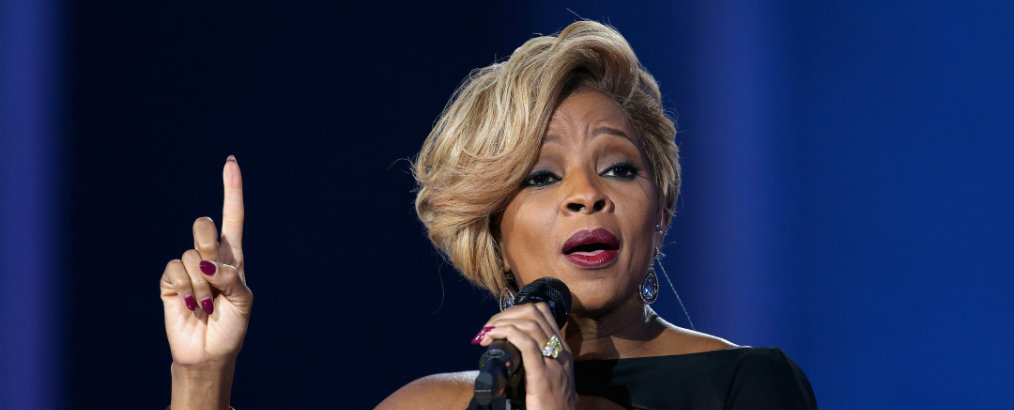 inside celebrity homes Inside Celebrity Homes: Mary J Blige's New Jersey Mansion 021914 shows betx performance mary j blige 2