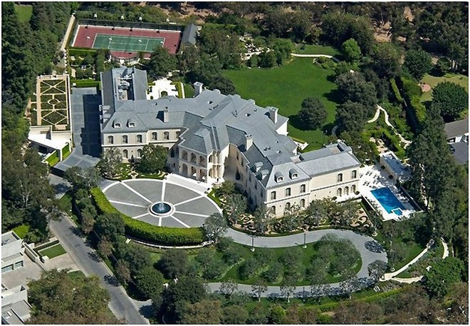 10 Most Expensive Celebrity Homes (8)