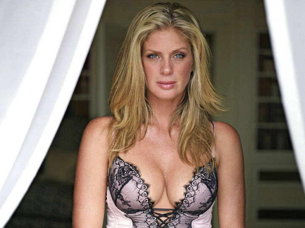 Inside Celebriy Homes Inside Celebriy Homes: Rachel Hunter House Inside Celebriy Homes Rachel Hunter House 1