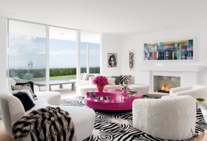 10-celebrity-homes-with-the-most-unique-modern-sofas-9 Celebrity Homes Celebrity Homes: 10 Celebrity Sofas for your Dream Home 10 Celebrity Homes With The Most Unique Modern Sofas 9