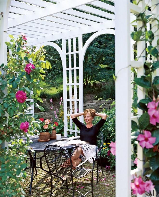 celebrity-homes-discover-jessica-lange-garden-1 celebrity homes Celebrity Homes: Discover Jessica Lange Garden Celebrity Homes Discover Jessica Lange Garden 1