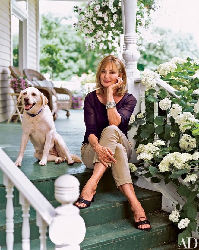 celebrity-homes-discover-jessica-lange-garden-8 celebrity homes Celebrity Homes: Discover Jessica Lange Garden Celebrity Homes Discover Jessica Lange Garden 8