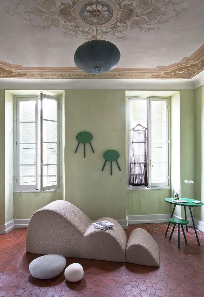 inside-furniture-designer-stephanie-marins-french-apartment-2