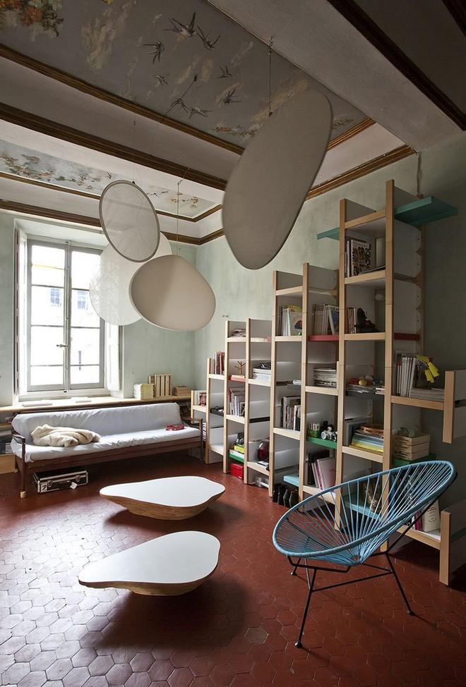 Inside furniture designer st phanie marin s french apartment celebrity homes - Celebrity furniture designers ...