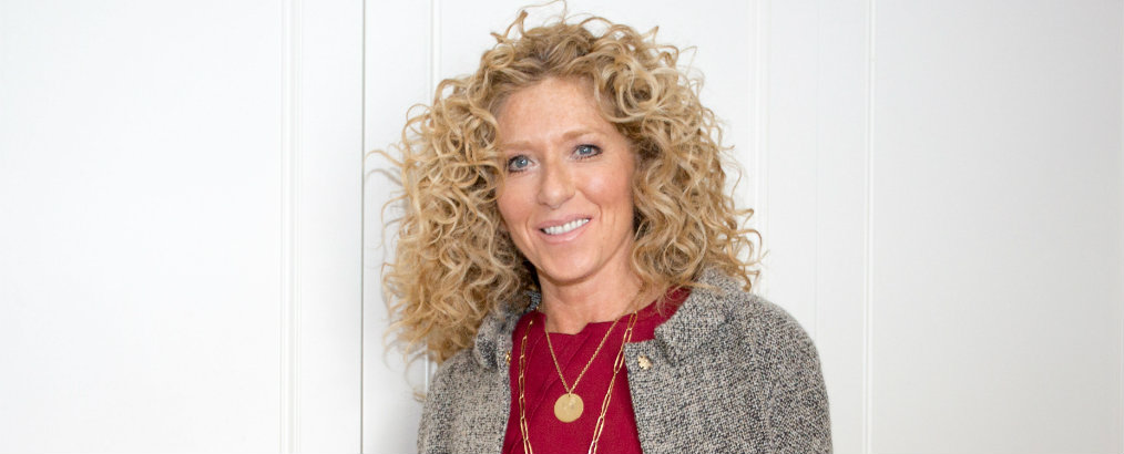 Christmas Decorating Tips Christmas Decorating Tips by Celebrity Interior Designer Kelly Hoppen kelly hoppen sww this is a smart women redonline