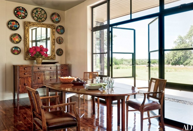 Celebrity Homes: Laura and George W. Bush's Texas Country House