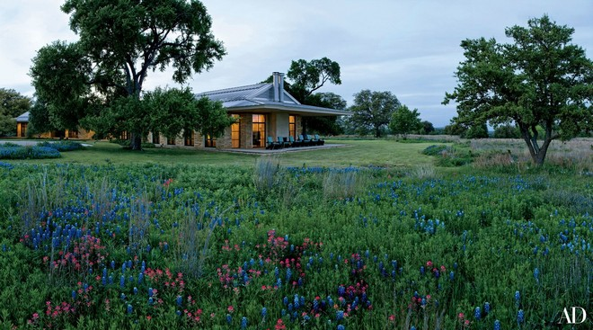 Celebrity Homes: Laura and George W Bush's Texas Country House