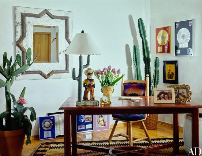 Inside Celebrity Homes Inside Celebrity Homes: Chynna Phillips's LA Apartment Inside Celebrity Homes Chynna Phillipss LA Apartment 4
