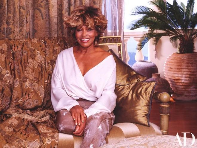 Inside Celebrity Homes Inside Celebrity Homes: Tina Turner French Villa Inside Celebrity Homes Tina Turner French Villa 1