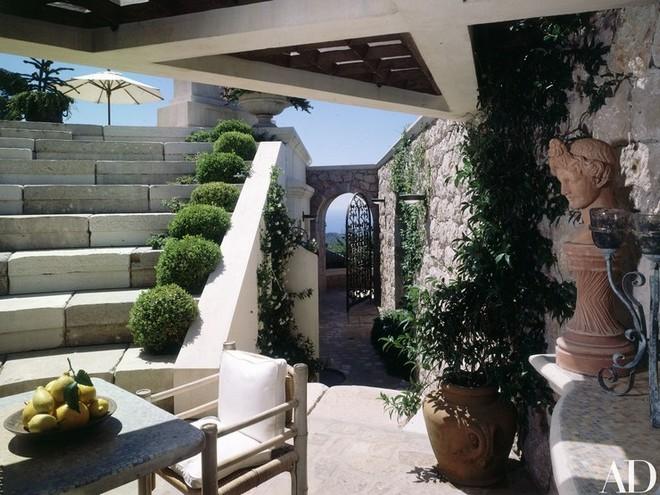 Inside Celebrity Homes Inside Celebrity Homes: Tina Turner French Villa Inside Celebrity Homes Tina Turner French Villa 2