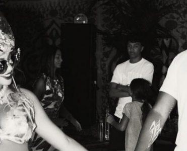 Celebrity News Peek African-Inspired Decor of Beyoncé's Baby Shower Beyoncé's Baby Shower Celebrity News: Peek African-Inspired Decor of Beyoncé's Baby Shower Celebrity News Peek African Inspired Decor of Beyonc  s Baby Shower 371x300