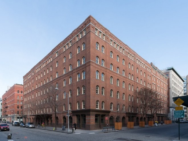 jennifer lawrence's nyc apartment Now You Can Live at Jennifer Lawrence's NYC Apartment jennifer lawrence 01