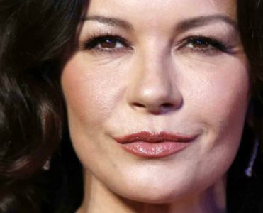 Celebrity Homes: Get Inspired by Catherine Zeta-Jones Home Office catherine zeta-jones home Celebrity Homes: Get Inspired by Catherine Zeta-Jones Home Office Celebrity Homes Get Inspired by Catherine Zeta Jones Home Office 371x300