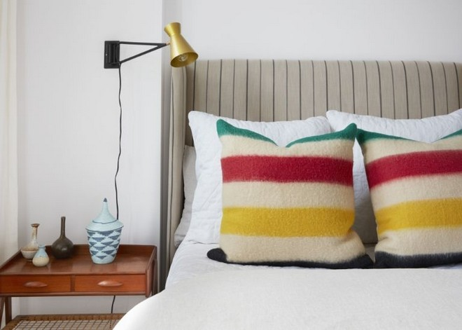 inside celebrity homes Inside Celebrity Homes: Mindy Karling has a Colorful NYC Apartment Inside Celebrity Homes Mindy Karling has a Colorful NYC Apartment 7
