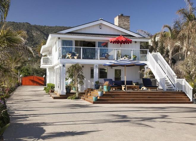 Ashton Kutcher and Mila Kunis Ashton Kutcher and Mila Kunis Brand New Santa Barbara Home Ashton Kutcher and Mila Kunis Brand New Santa Barbara Home 9