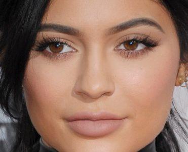 Celebrity News: Kylie Jenner Rent a Beverly Hills Mansion