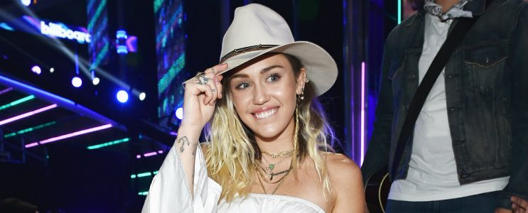 Celebrity News: Miley Cyrus Bought a New Mansion Miley Cyrus Celebrity News: Miley Cyrus Bought a New Mansion miley cyrus bbmas backstage 2017 a billboard 1548 743x300
