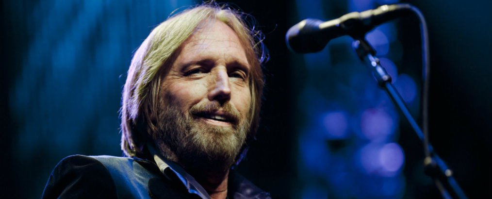 Tom Petty's Former California Lake House Get to Know Tom Petty's Former California Lake House Get to Know Tom Pettys Former California Lake House