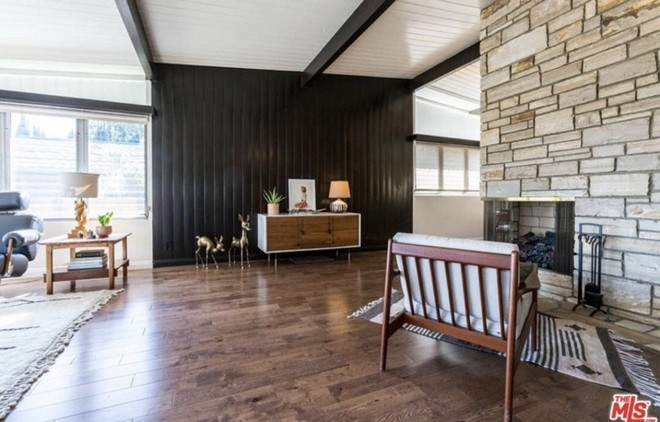 Get to know Abbi Jacobson New Midcentury-Style Home (1) Abbi Jacobson New Midcentury-Style Home Get to know Abbi Jacobson New Midcentury-Style Home Get to know Abbi Jacobson New Midcentury Style Home 5 1