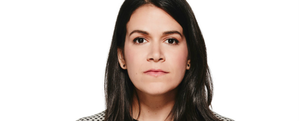 Get to know Abbi Jacobson New Midcentury-Style Home (1) abbi jacobson new midcentury-style home Get to know Abbi Jacobson New Midcentury-Style Home Get to know Abbi Jacobson New Midcentury Style Home