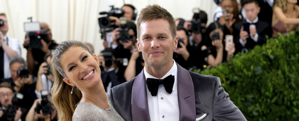 Gisele Bündchen and Tom Brady's Former Los Angeles Home (1) Gisele Bündchen and Tom Brady Gisele Bündchen and Tom Brady's Former Los Angeles Home Gisele B  ndchen and Tom Bradys Former Los Angeles Home 1