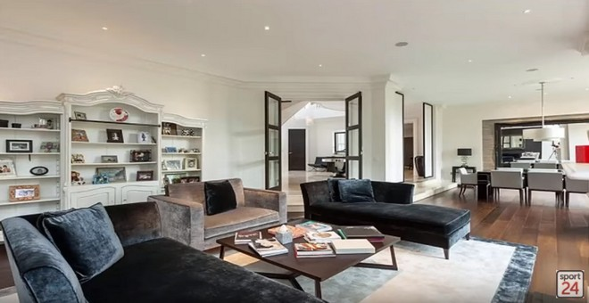 2018 celebrity homes guide 2018 Celebrity Homes Guide 21 Peek Inside Roger Federer Incredible Mansion with Views to Lake Zurich 18 1