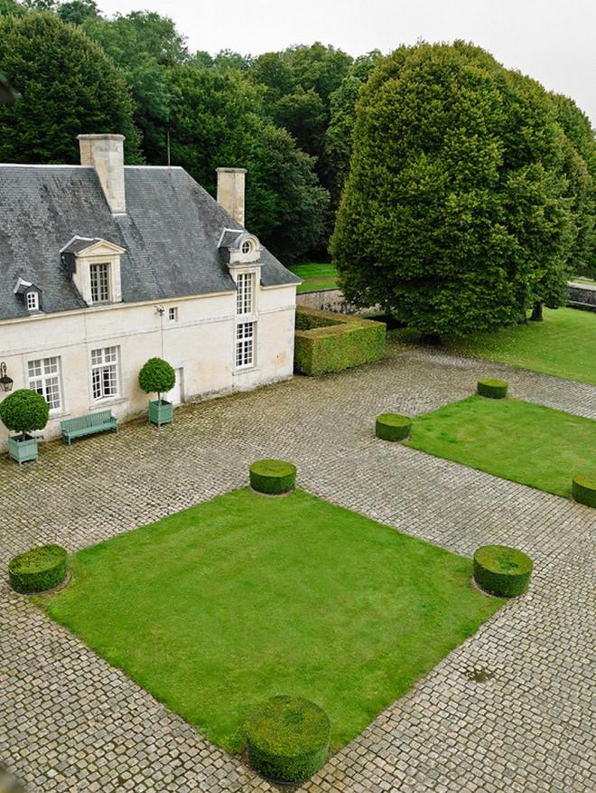 Hubert de Givenchy Château du Jonchet or the House of Hubert de Givenchy Ch  teau du Jonchet or the House of Hubert de Givenchy 6