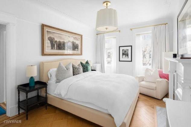 Emily Blunt and John Krasinski Emily Blunt and John Krasinski Huge Four-Story Mansion in Brooklyn NYC Emily Blunt and John Krasinski Huge Four Story Mansion in Brooklyn NYC 5