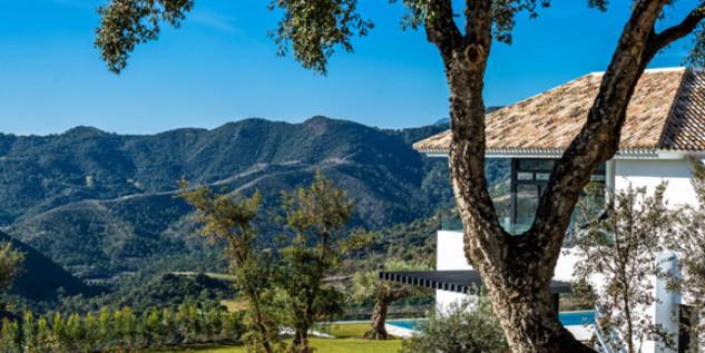 Cristiano Ronaldo's Mansion Tour Cristiano Ronaldo's Mansion in Malaga, Spain Tour Cristiano Ronaldos Mansion in Malaga Spain 2