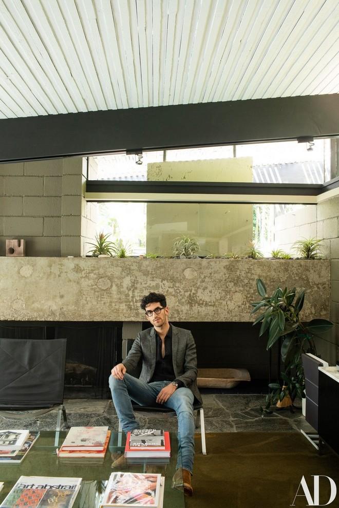 Dave Macklovitch Dave Macklovitch's Midcentury House in LA Dave Macklovitchs Midcentury House in LA 2
