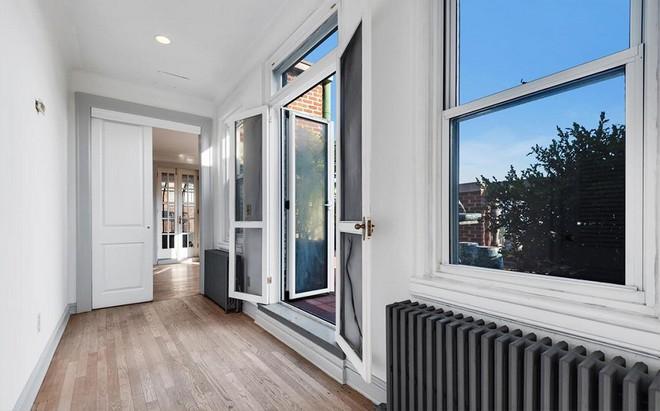 Björk's Apartment House in Brooklyn Björk's Apartment House in Brooklyn Bj  rk Seeks Brooklyn Penthouse 2