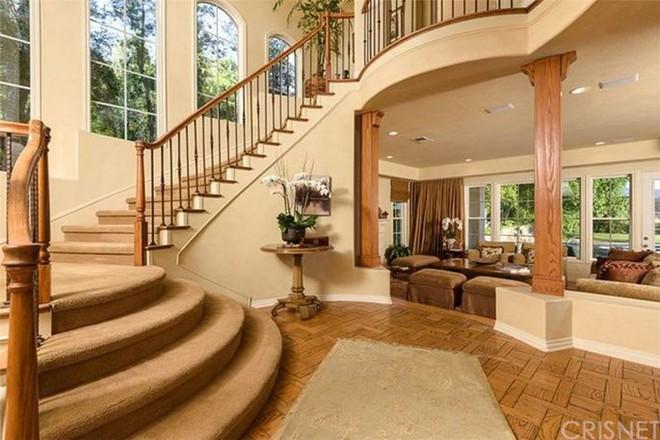 Stay at Kendrick Lamar's Calabasas Mansion Stay at Kendrick Lamars Calabasas Mansion 1