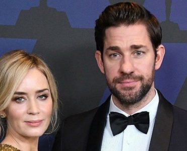Emily Blunt and John Krasinski New Brooklyn Condo emily blunt and john krasinski Emily Blunt and John Krasinski Brooklyn Condo Emily Blunt and John Krasinski New Brooklyn Condo 371x300
