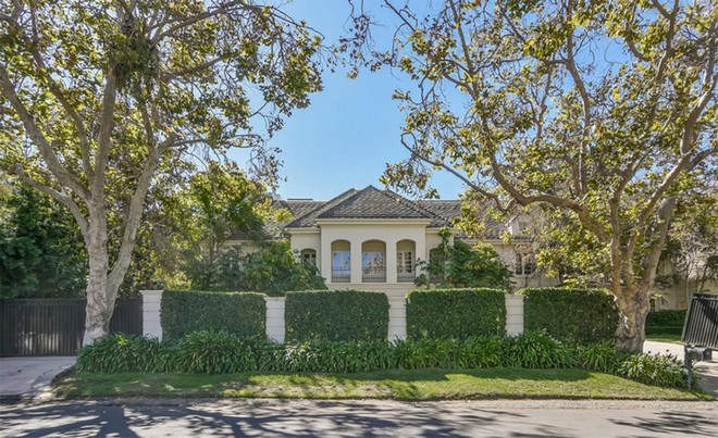 Buy Avril Lavigne and Chad Kroeger Former Sherman Oaks Mansion Buy Avril Lavigne and Chad Kroeger Former Sherman Oaks Mansion 1